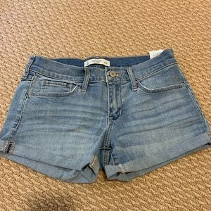 Abercrombie and Fitch jean shorts size 26